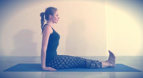 dandasana-staff-posture